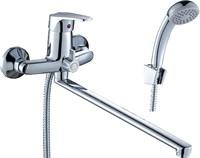 Смеситель для ванны и душа Rossinka Silvermix D40-32 однорычажный с лейкой и шлангом, настенное крепление, хром